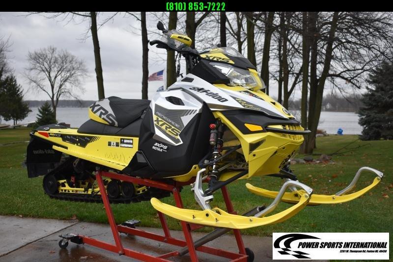"2016 SKI-DOO XRS RENEGADE 800R E-TEC 137"" Snowmobile #0004"