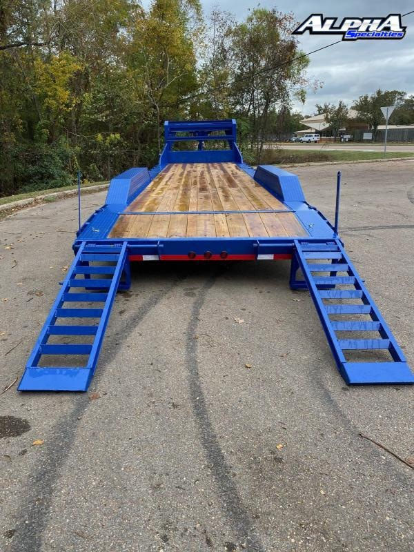"2021 Load Trail 102"" x 30' Triple Gooseneck Carhauler (80"" Between Fenders) 21k GVWR"