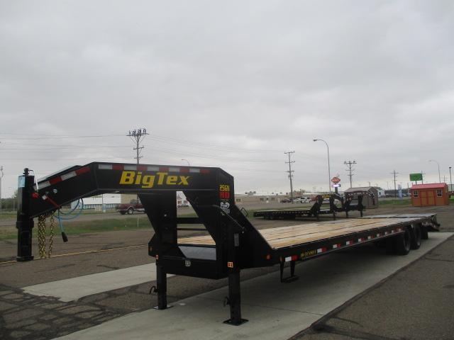 2021 Big Tex Trailers 25GN-30BK+5MR Flatbed Trailer