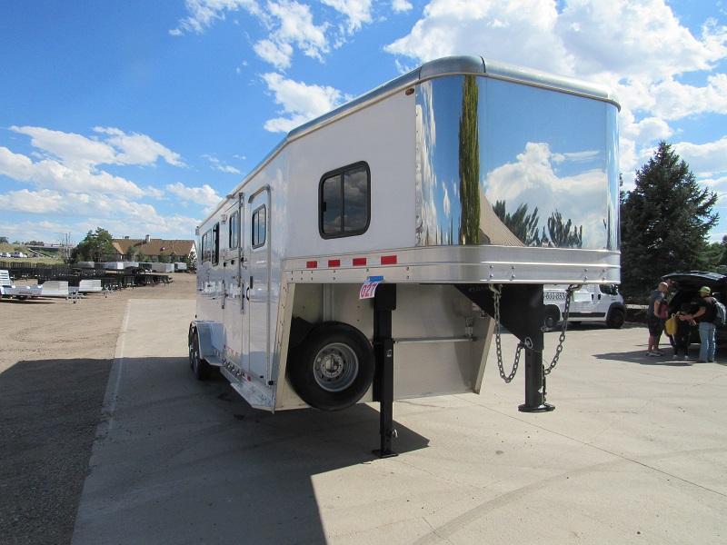 2010 Kiefer Manufacturing GENESIS SSL-2 Horse Trailer