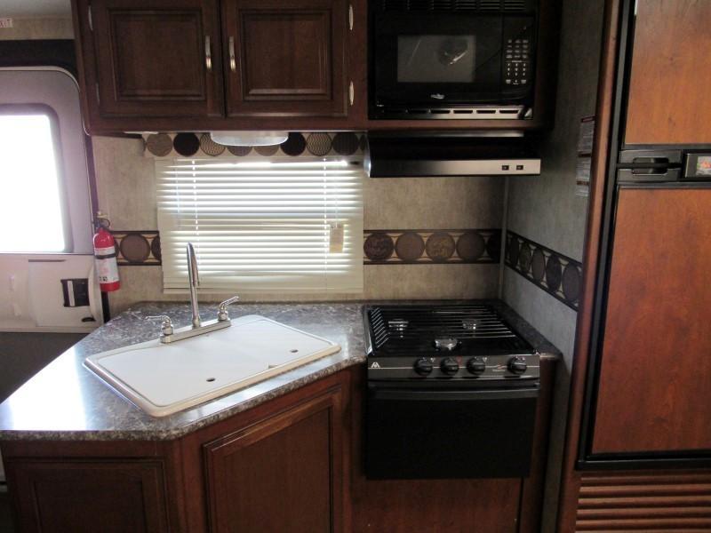 2015 Keystone RV PASSPORT ULTRA LITE Camping / RV Trailer
