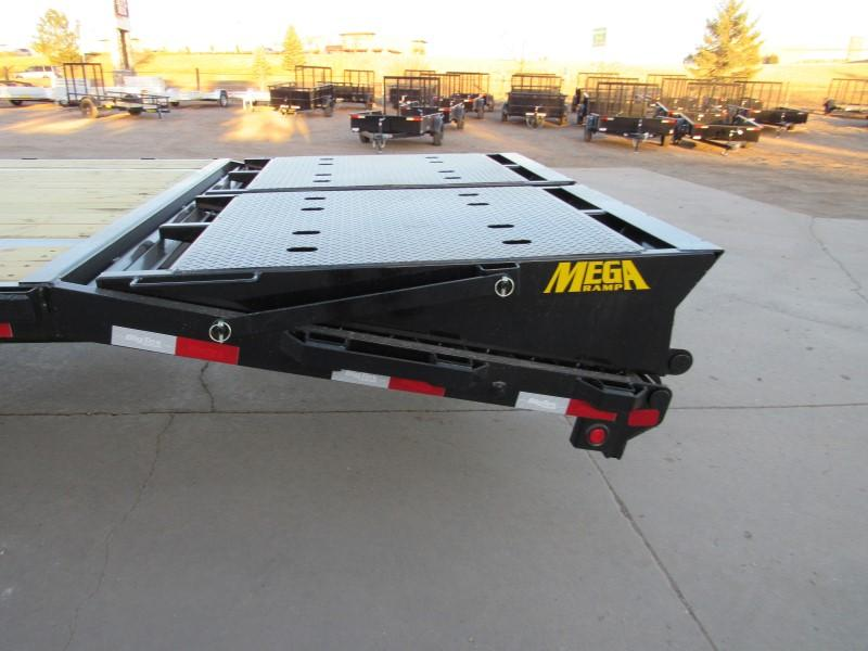 2021 Big Tex Trailers 16GN-35BK+5MR Flatbed Trailer
