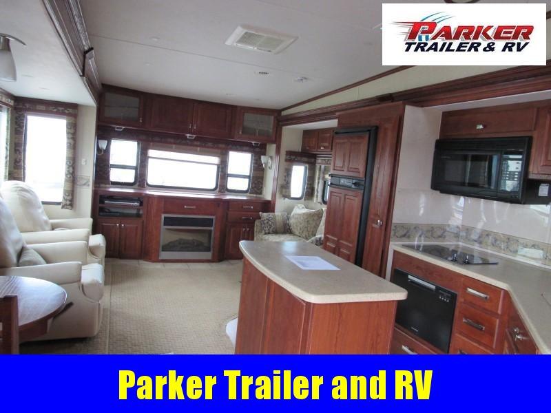 2008 Carriage Inc. 36FDQ Camping / RV Trailer
