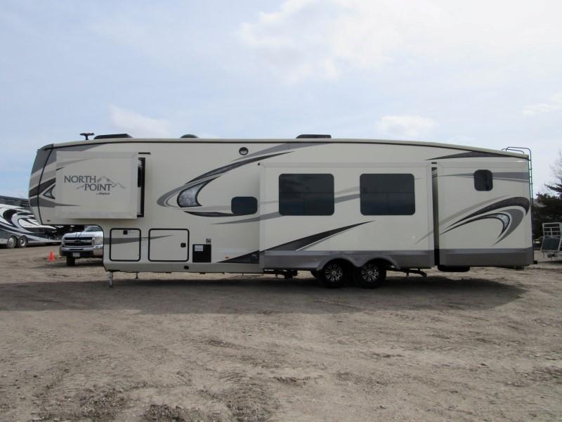 2018 Jayco 375BHS Camping / RV Trailer