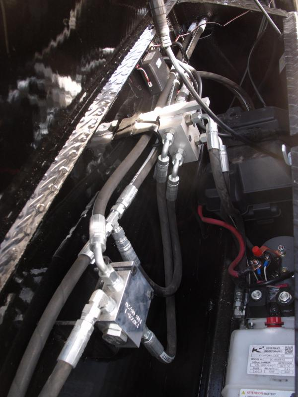 "Gooseneck Dump Trailer 96"" X 20 Hi-Wall 4' 22500 GVW  20000 Inverted Scissor Hoist  ELECTRIC OVER HYDROLUIC BRAKES  Spreader Gate Combo"