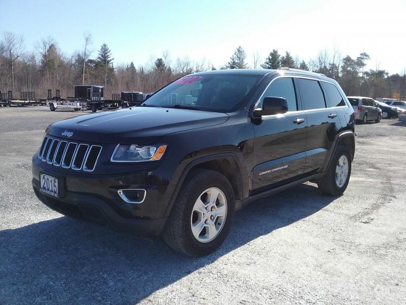 2015 Jeep GRAND CHEROKEE LARADO SUV