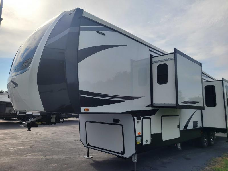 2021 Forest River CARDINAL LUXURY 390FBX