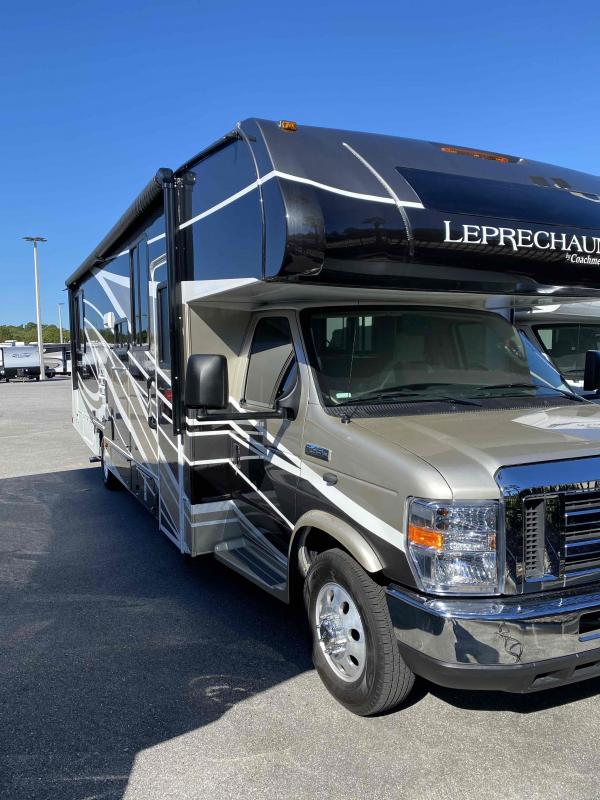 2020 Coachmen  LEPRECHAUN 319MBF