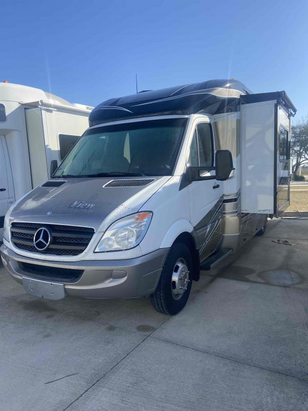 2012 Winnebago  VIEW 24G