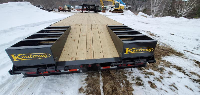 2021 Kaufman Trailers 31' Deckover Gooseneck Deluxe 18k GVW Equipment Trailer