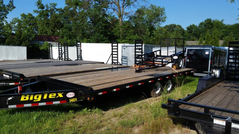 Big Tex 8.5' x 22' Deckover Equipment Trailer w/8' slide-in ramps 14K