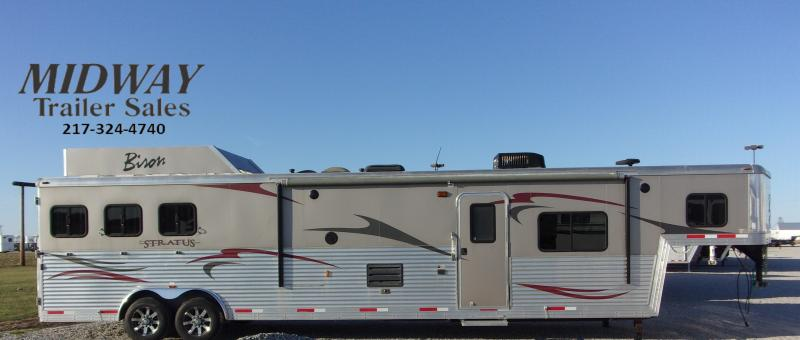 2013 Bison Trailers Stratus 8316 w/16' SW LQ GN Horse Trailer