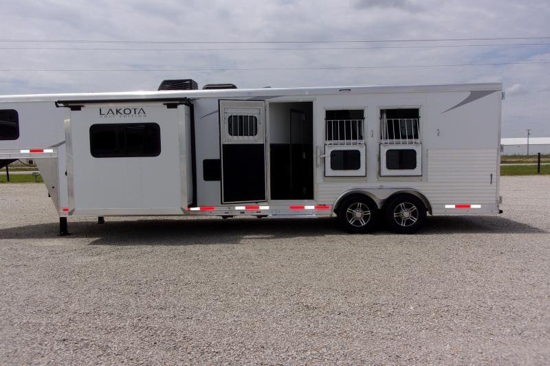 2021 Lakota AC8313 3H LQ GN Horse Trailer