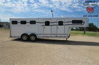 2001 Adam 3H GN w/4' SW Front Dress & 2' Midtack Horse Trailer