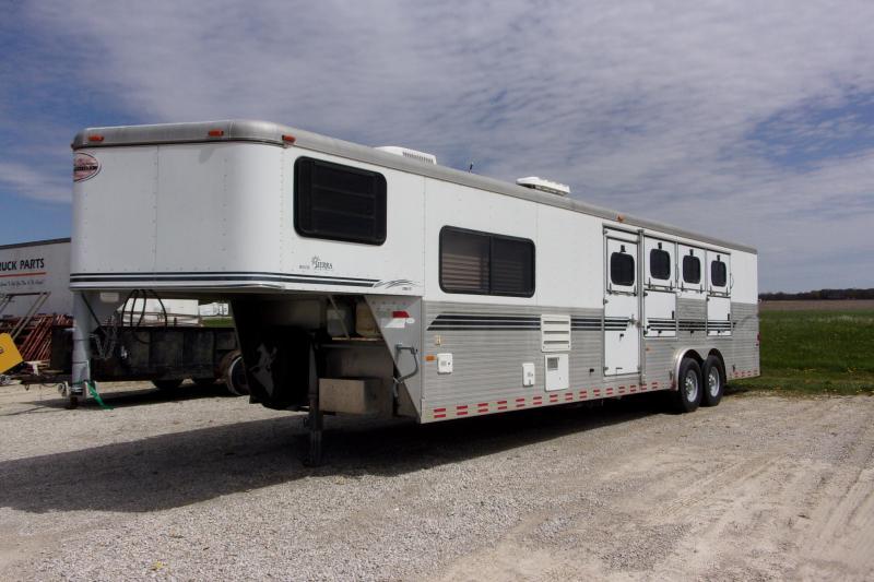 2002 Sundowner Trailers Sierra 8010 w/10' SW & LQ GN Horse Trailer