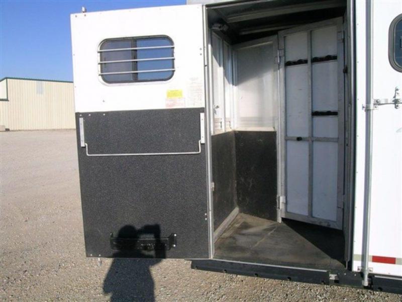 2000 Sundowner Siesta 720 4H w/ 9' SW LQ GN