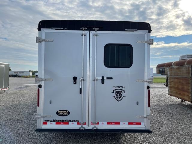 2022 Bison Trailers SV8309B w/ 9' SW LQ GN Horse Trailer