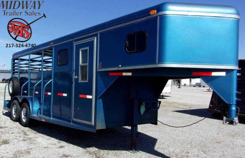 1998 W-W Trailer 3H Stock w/ 2' SW Dress GN Horse Trailer