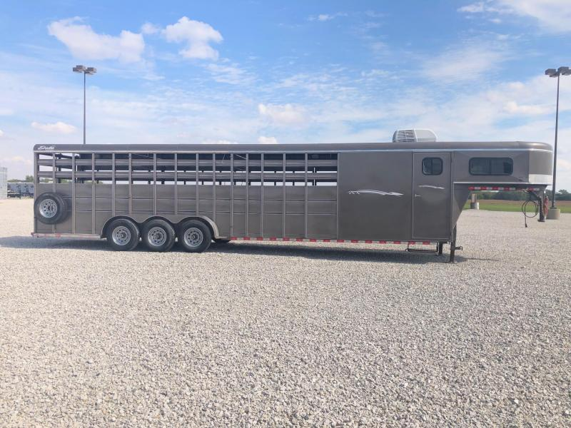 2017 Delta Manufacturing 32' Stock w/ Dress GN Horse Trailer