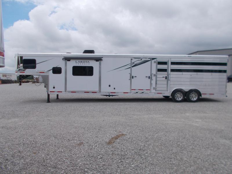2022 Lakota 81413SR Stock/Combo 3'MT w/13'5 SW LQ & Slide GN Horse Trailer
