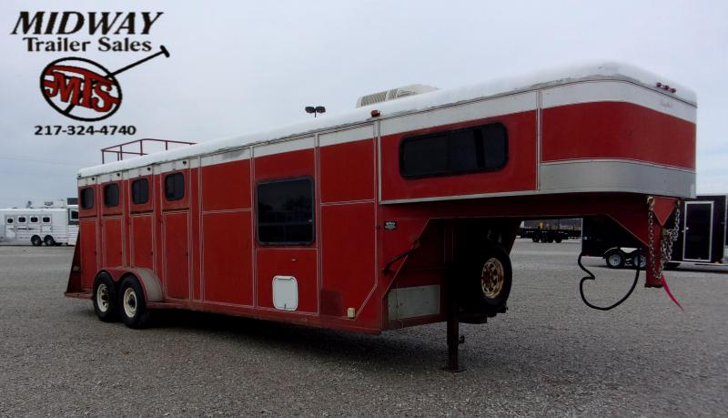 1993 Delta Manufacturing 4H Limited Horse Trailer