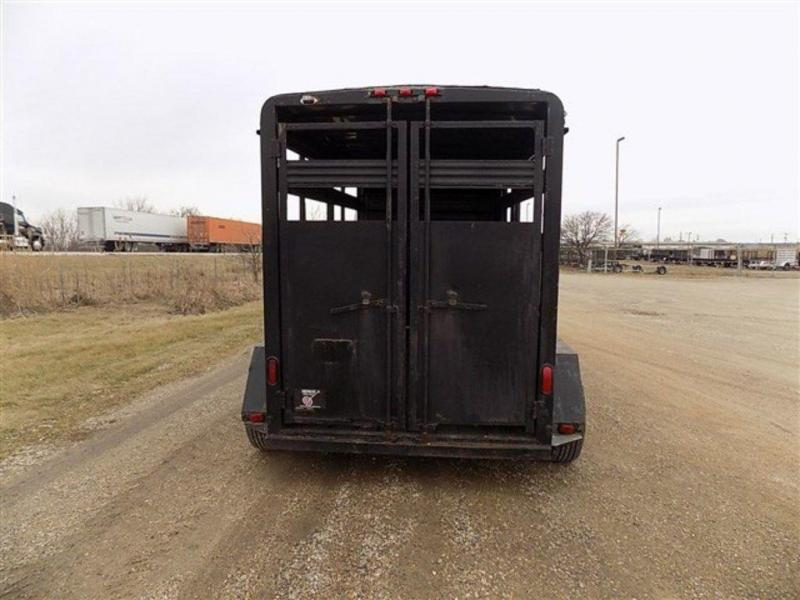 2001 Bison 7 x 7 x 12 Stock GN Trailer
