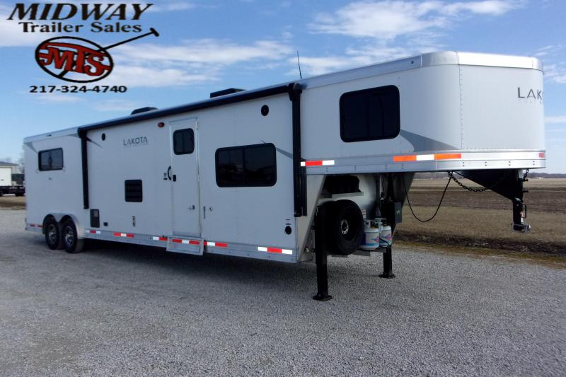 2021 Lakota Colt AC8315 3H w/15' SW & Slide LQ GN Horse Trailer