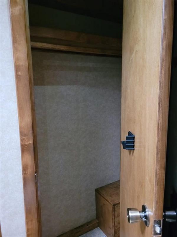 2013 Logan Coach Razor 3H 17'SW w/Bunkhouse Conv.&12'SO Enclosed Cargo Trailer