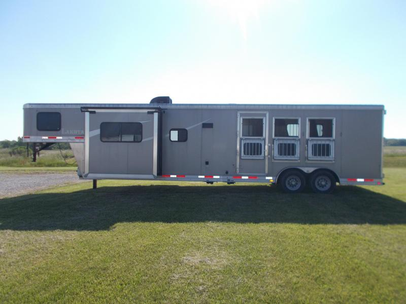 2018 Lakota Colt AC8315 3H w/15' SW & Slide LQ GN Horse Trailer