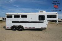 2000 CM 3H GM w/4' SW Front Dress Horse Trailer