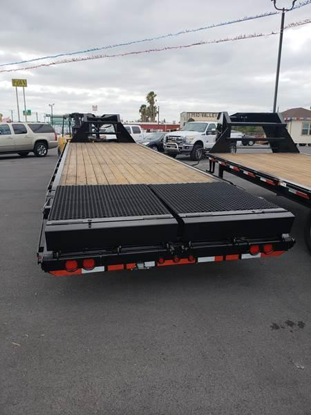 2019 Texas Bragg 35+5 Gooseneck Flatbed Trailer w/ XL Ramps