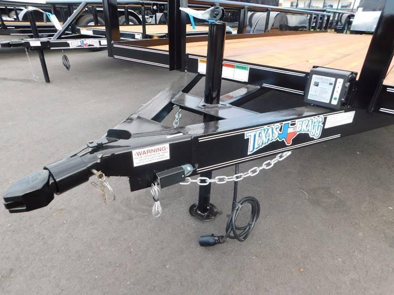 2021 Texas Bragg 18' Tandem Axle Pipetop Utility Trailer