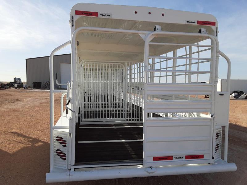 2021 Swift Built Trailers 32' Livestock Trailer