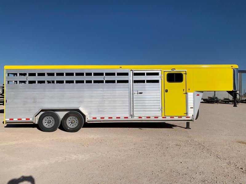 2011 Sundown 24' Livestock Trailer