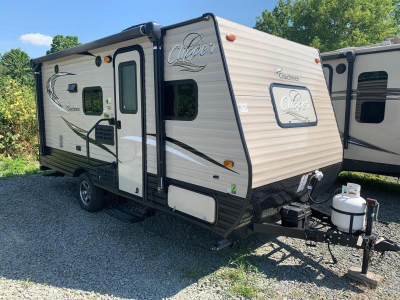2017 COACHMEN BY FOREST RIVER CLIPPER 17BH Travel Trailer - Bunks - Lite Weight