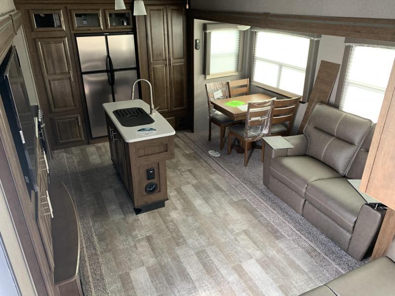 2021 Forest River ROCKWOOD Ultra Lite 2882S Fifth Wheel Camper