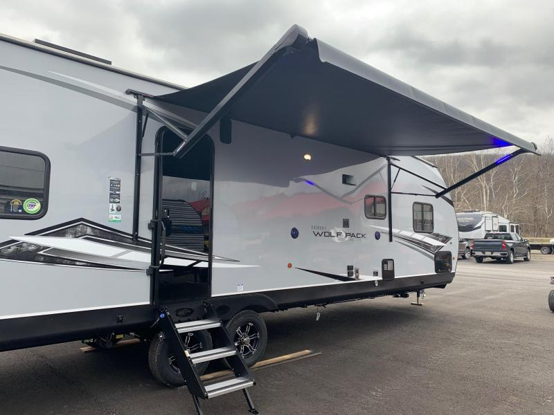2021 Forest River CHEROKEE WOLF PACK 27PACK10 PLATINUM Toy Hauler Travel Trailer