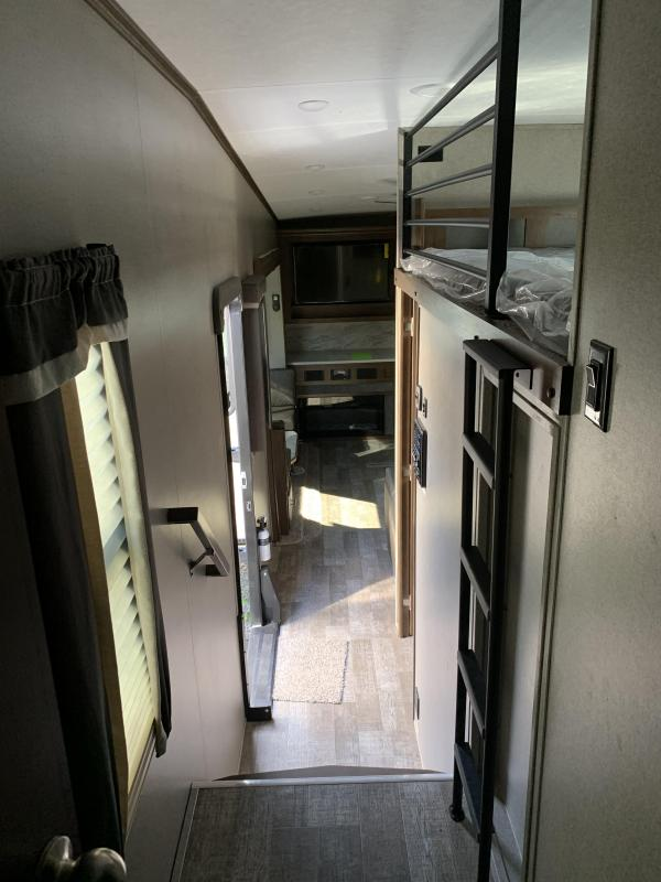 2021 Forest River ROCKWOOD Ultra Lite 2896MB Fifth Wheel Camper