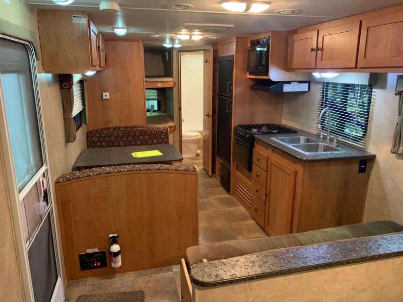 2012 CRUISER RV SHADOW CRUISER 260BHS TRAVEL TRAILER - OUTSIDE KITCHEN - ALLUMINUM WHEELS - BUNKS