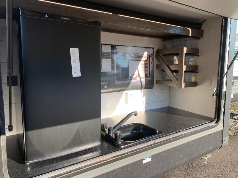 2021 SALEM 31KQBTS Travel Trailer - Bunk Room - Outside Kitchen - Versa Lounge
