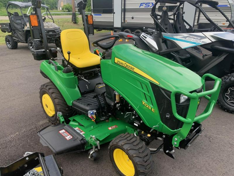 2019 JOHN DEERE 1023 E with MOWER & SNOW PLOW Tractor - Very Low Hours - Like New