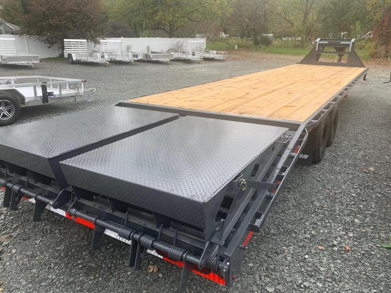 2021 LAMAR 8.5x36 (31+5) 24k Gooseneck Equipment Trailer - Rhino Ramps - Electric over Hydraulic Disk Brakes - 10k Drop Leg Jacks - Spare Tire - FD02362B