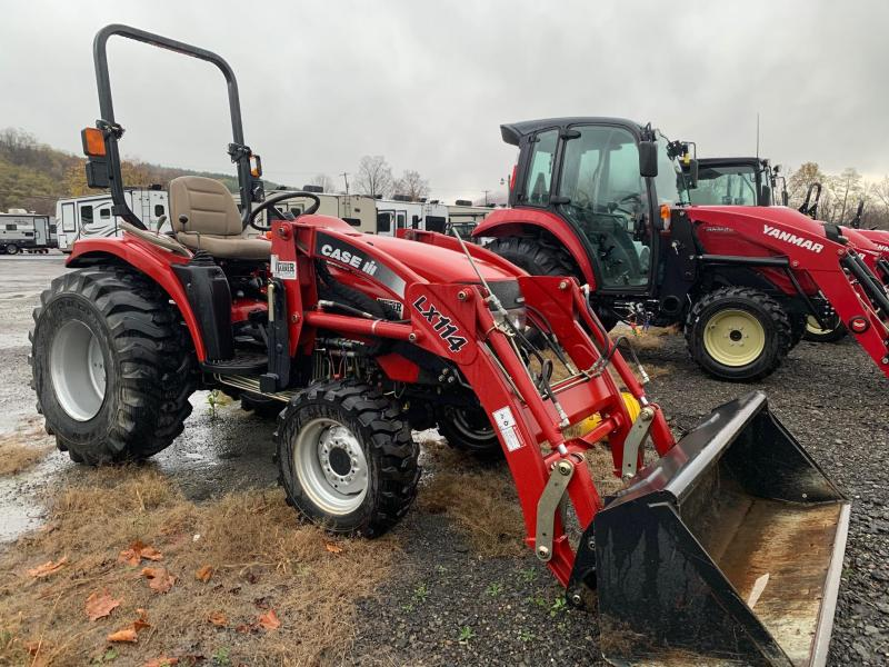 2006 CASE IH DX33 Tractor with Loader