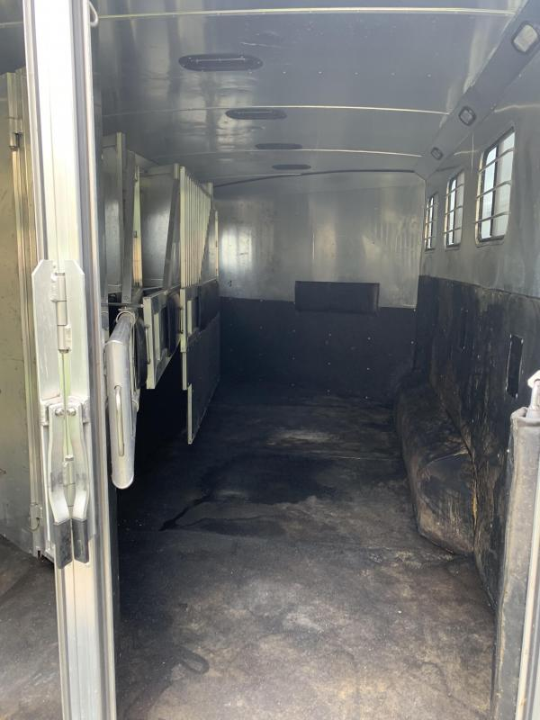 2001 Dream Coach Trailers LLC 4 Horse Living Quarters Horse Trailer