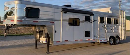 2021 SMC Horse Trailers 8313SRK Living Quarters Horse Trailer