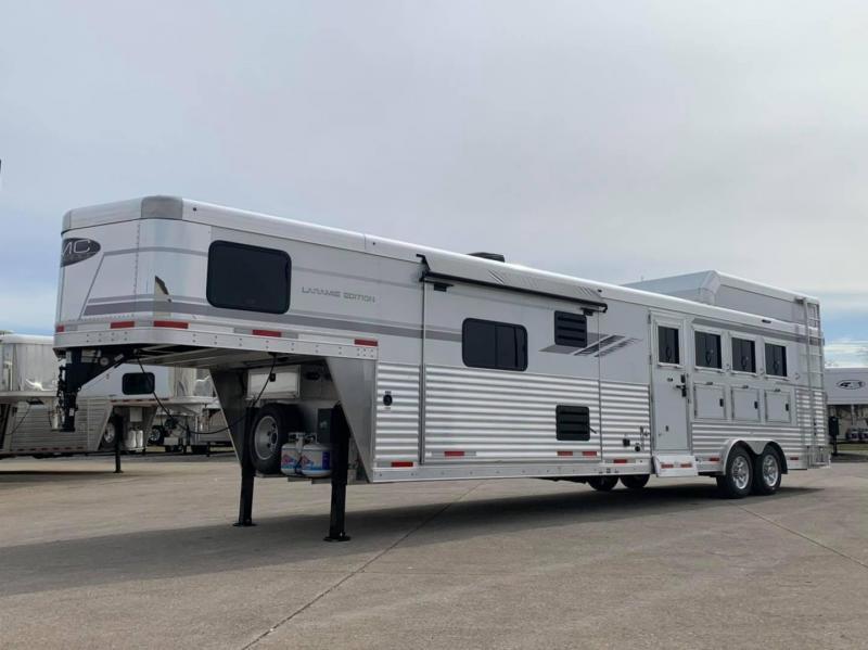 2021 SMC Horse Trailers Horse Trailer