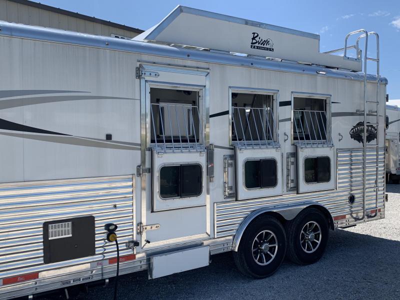 2017 Bison Trailers Silverado 3 Horse Living Quarters Horse Trailer