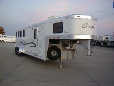 2006 Cherokee 4H LQ Horse Trailer
