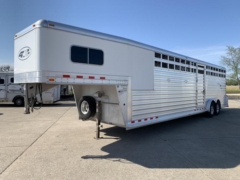2015 4-Star Trailers 4 Horse Head to Head Horse Trailer