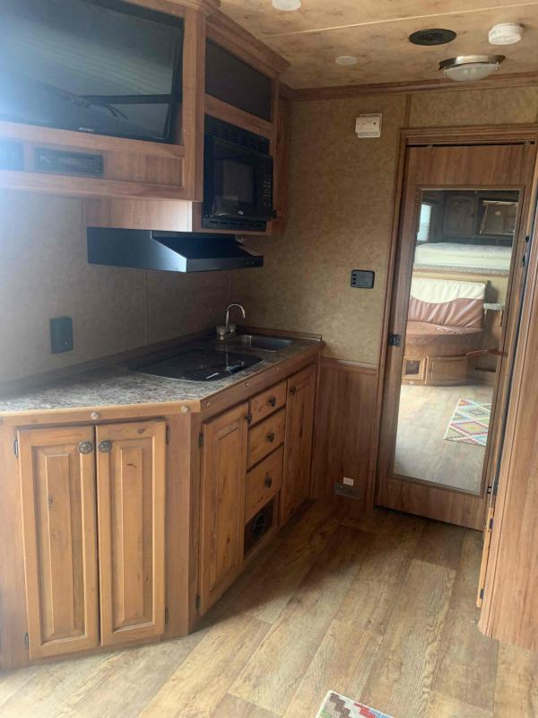 2017 Twister 4 Horse LQ Other Trailer